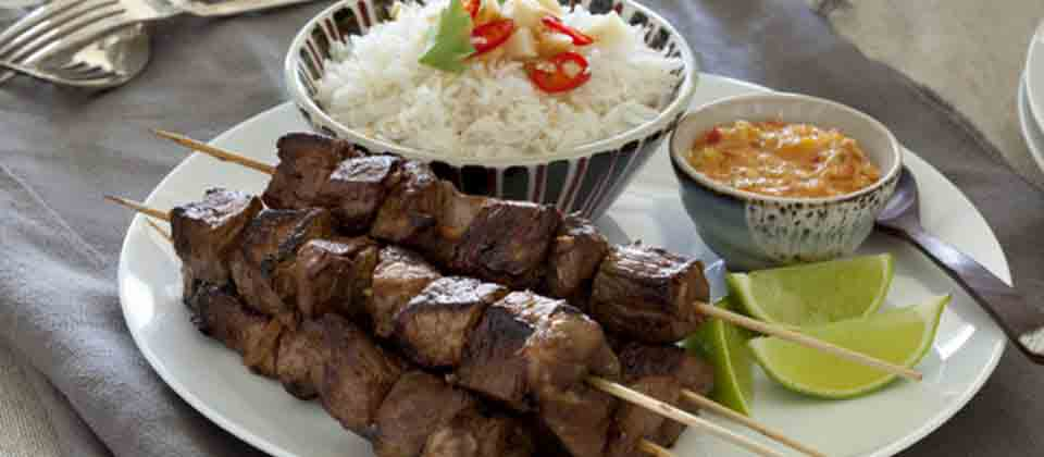 BEEF SKEWERS WITH MACADAMIA AND CHILLI SAUCE